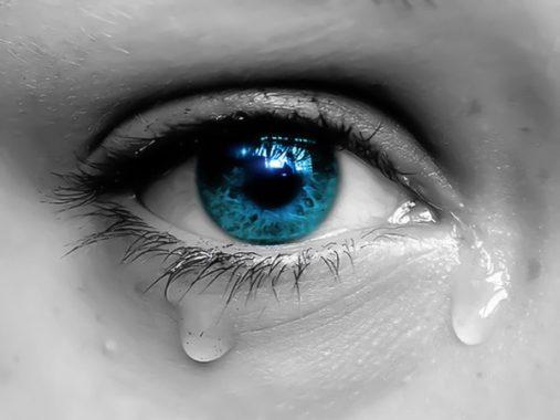 Mơ thấy mình khóc và những con số may mắn ứng với giấc mơ thấy mình khóc