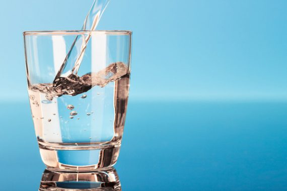 Mơ thấy nước – Giải mã điềm báo và con số lô đề của giấc mơ thấy nước